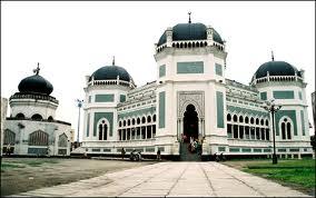 Tentang masjid raya medan - Masjid Bersejarah di Indonesia